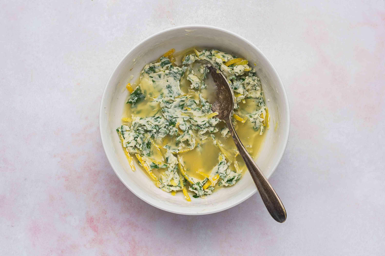 Parsley, butter, onions, lemon juice and lemon zest in a bowl