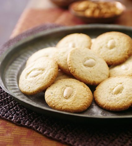 Moroccan almond biscuit