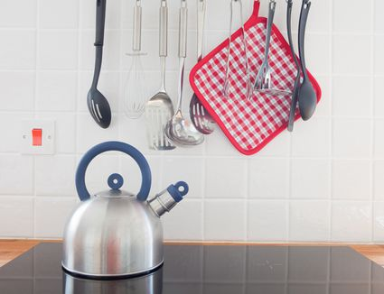 Kettle on an induction cooktop