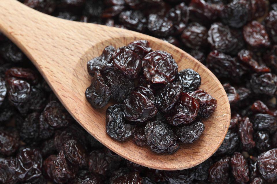 Raisins for yeast raisin rolls