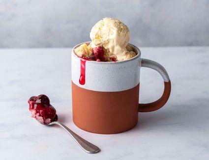 cherry mug pie with ice cream