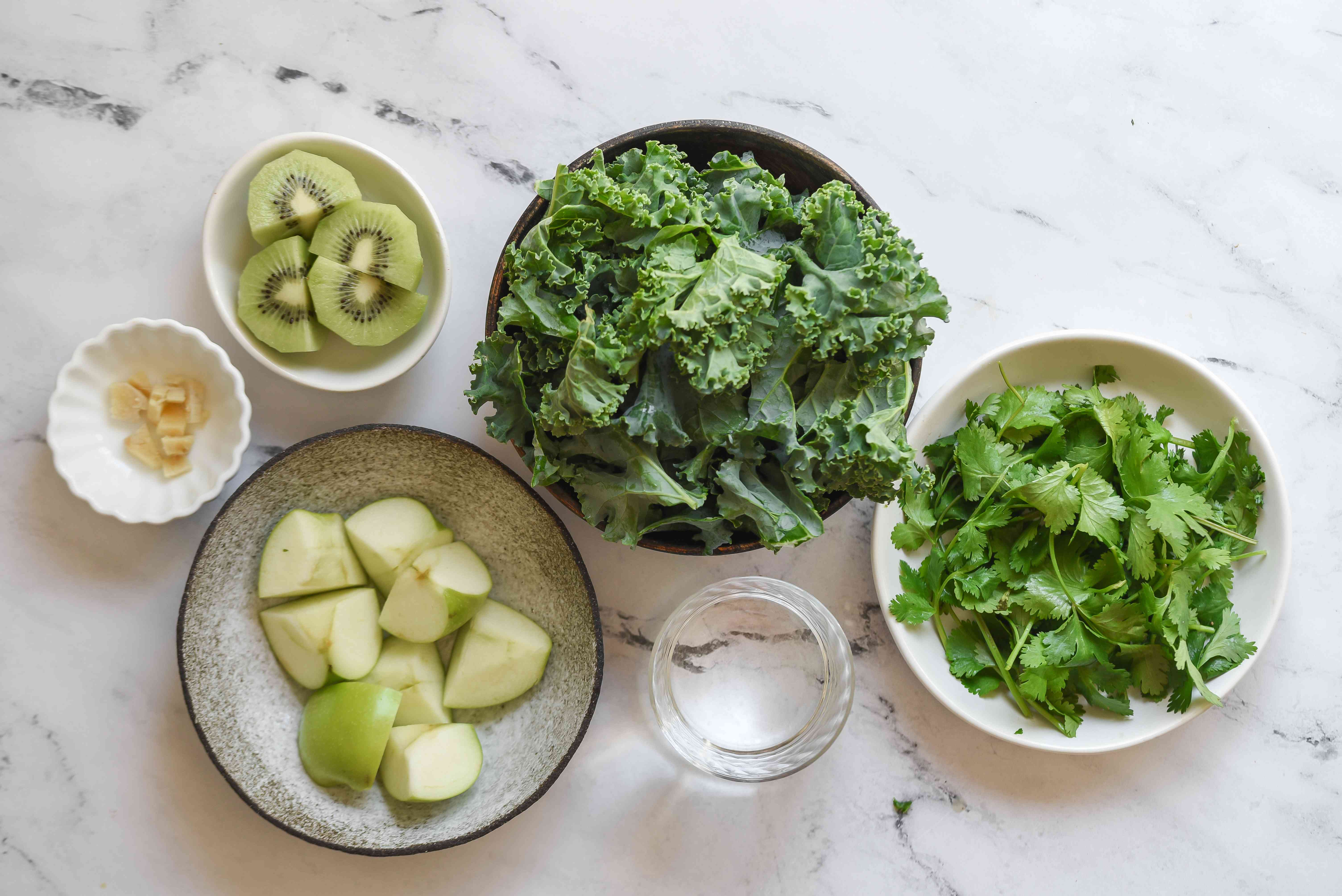 Apple Kiwi Superpower Green Smoothie ingredients