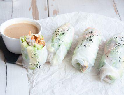 Soba Noodles Summer Rolls with Peanut Butter Dip