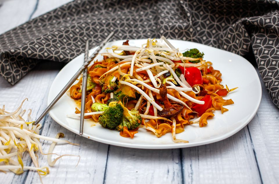 Thai Stir-Fried Noodles With Vegetables