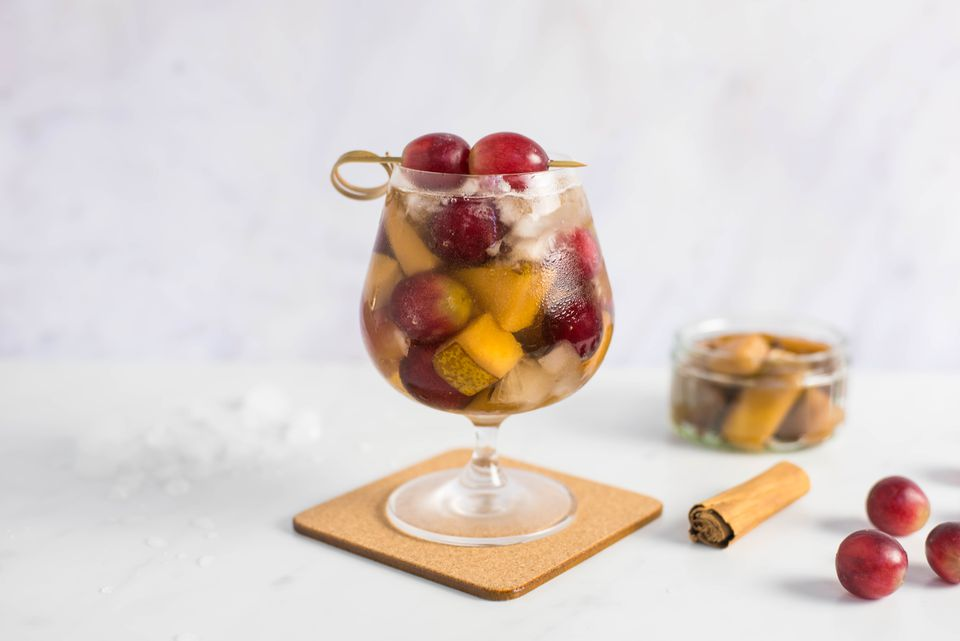 Pear cobbler cocktail recipe