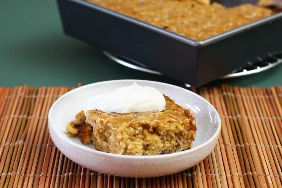 Gooey caramel apple cake