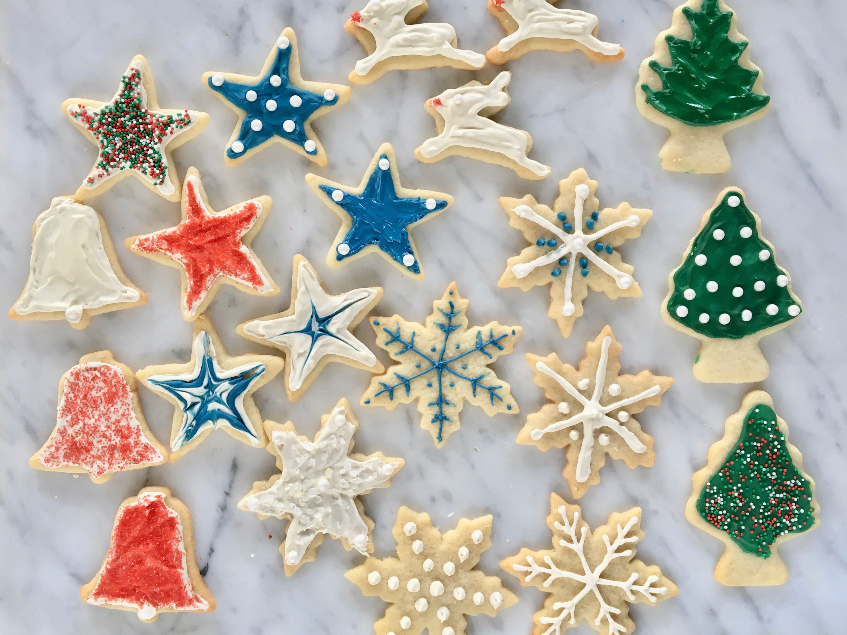 Decorating Christmas Cookies.Christmas Cookie Decorating Step By Step