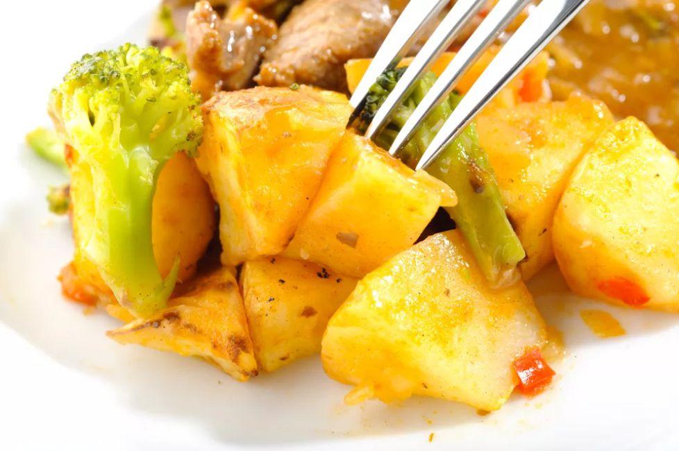Vegan Broccoli and Potato Curry
