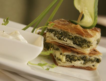 Greek food recipes the best spanakopita recipe greek spinach pie with feta forumfinder Image collections