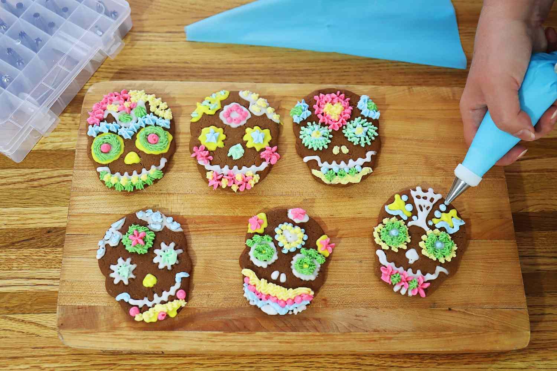 Kootek 42-Piece Cake Decorating Kit