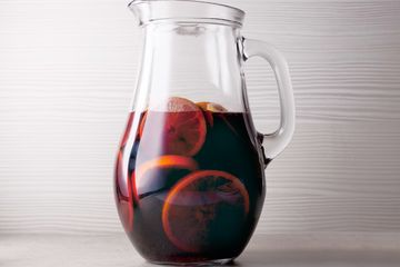 Chill sangria in pitcher