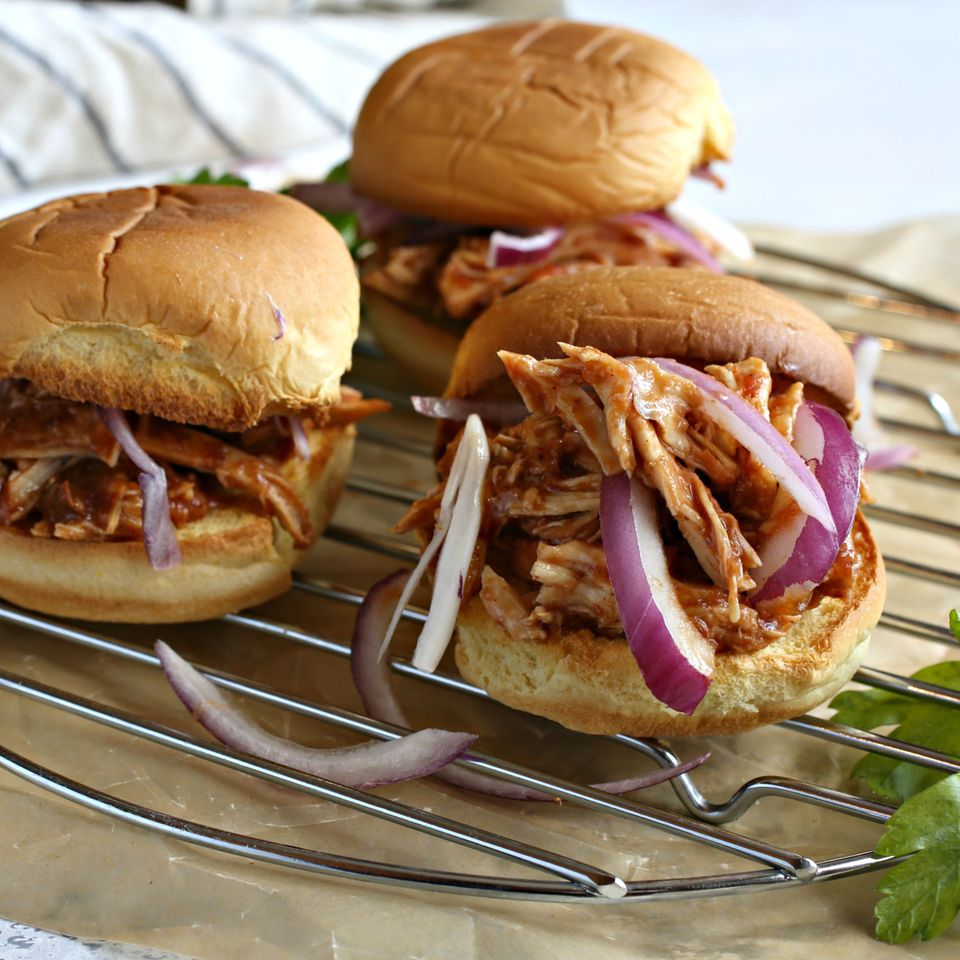 Pulled Chicken Shawarma Sliders