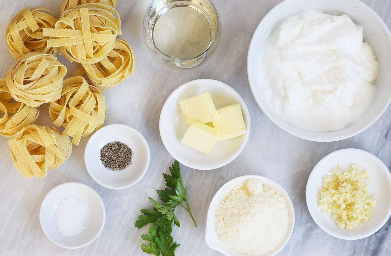 Greek Yogurt Pasta Sauce ingredients