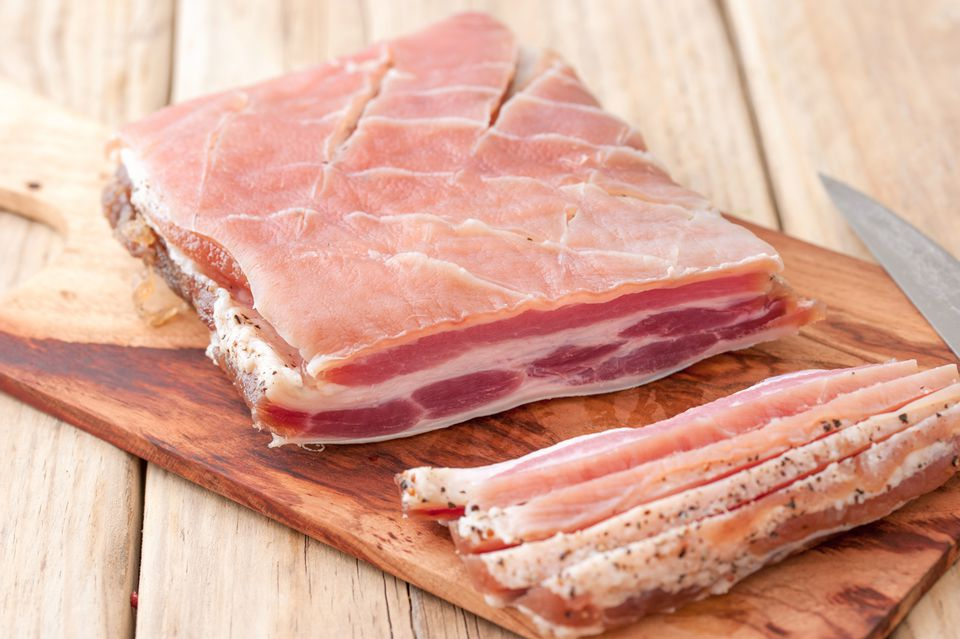 How to Make Bacon in Your Own Home