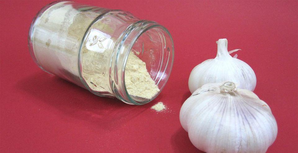 Homemade garlic powder and fresh garlic