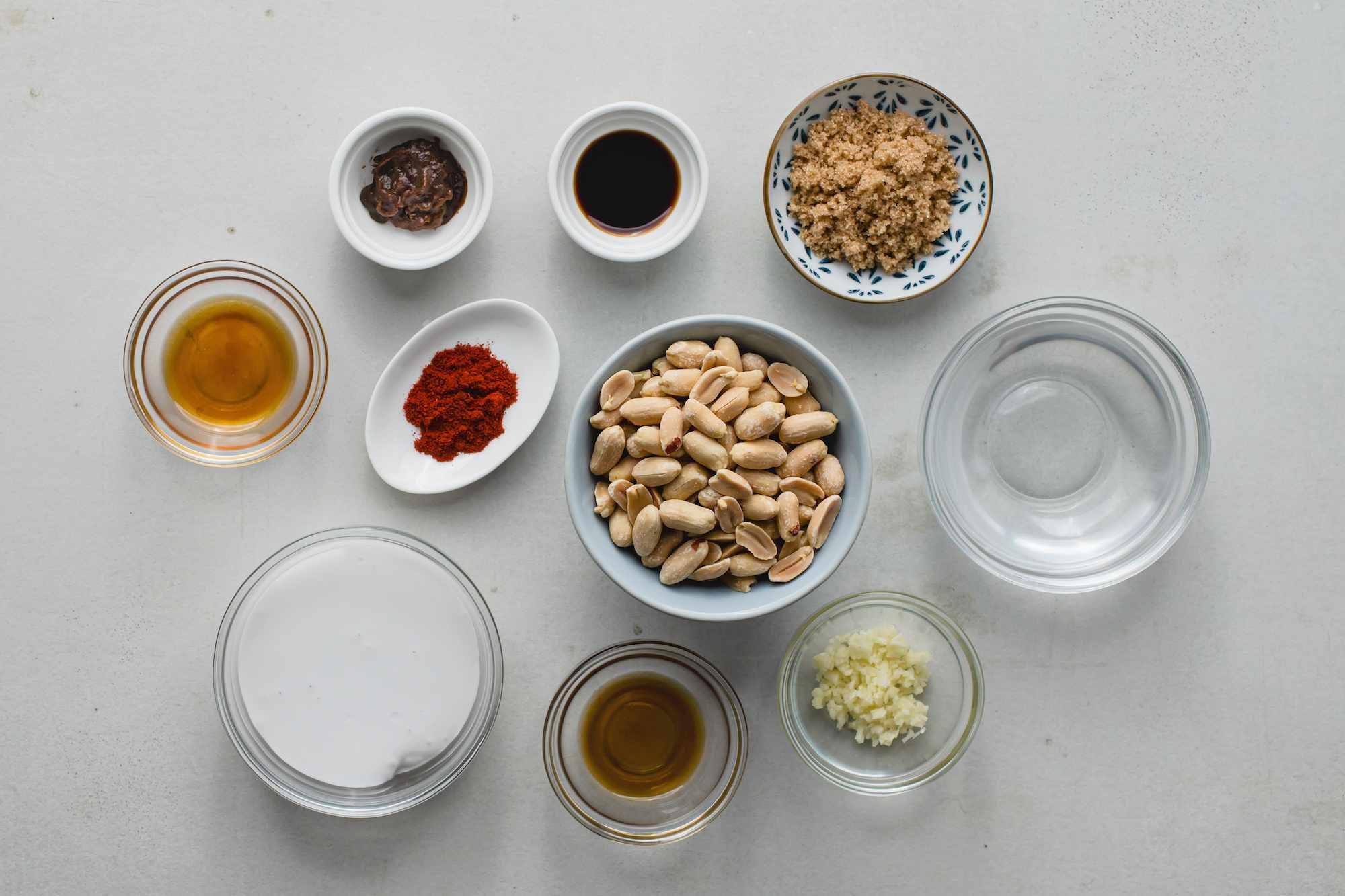 Ingredients for satay peanut sauce