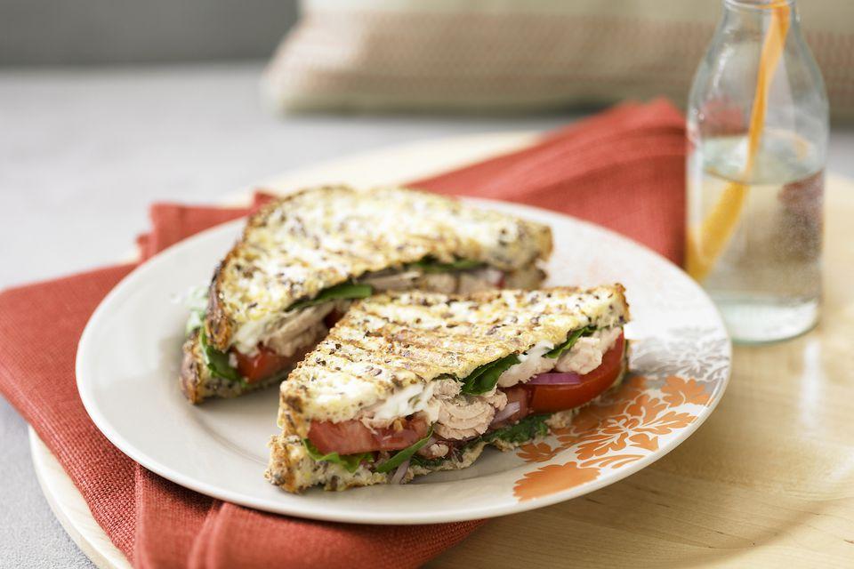 Sandwiches de atún tostado francés