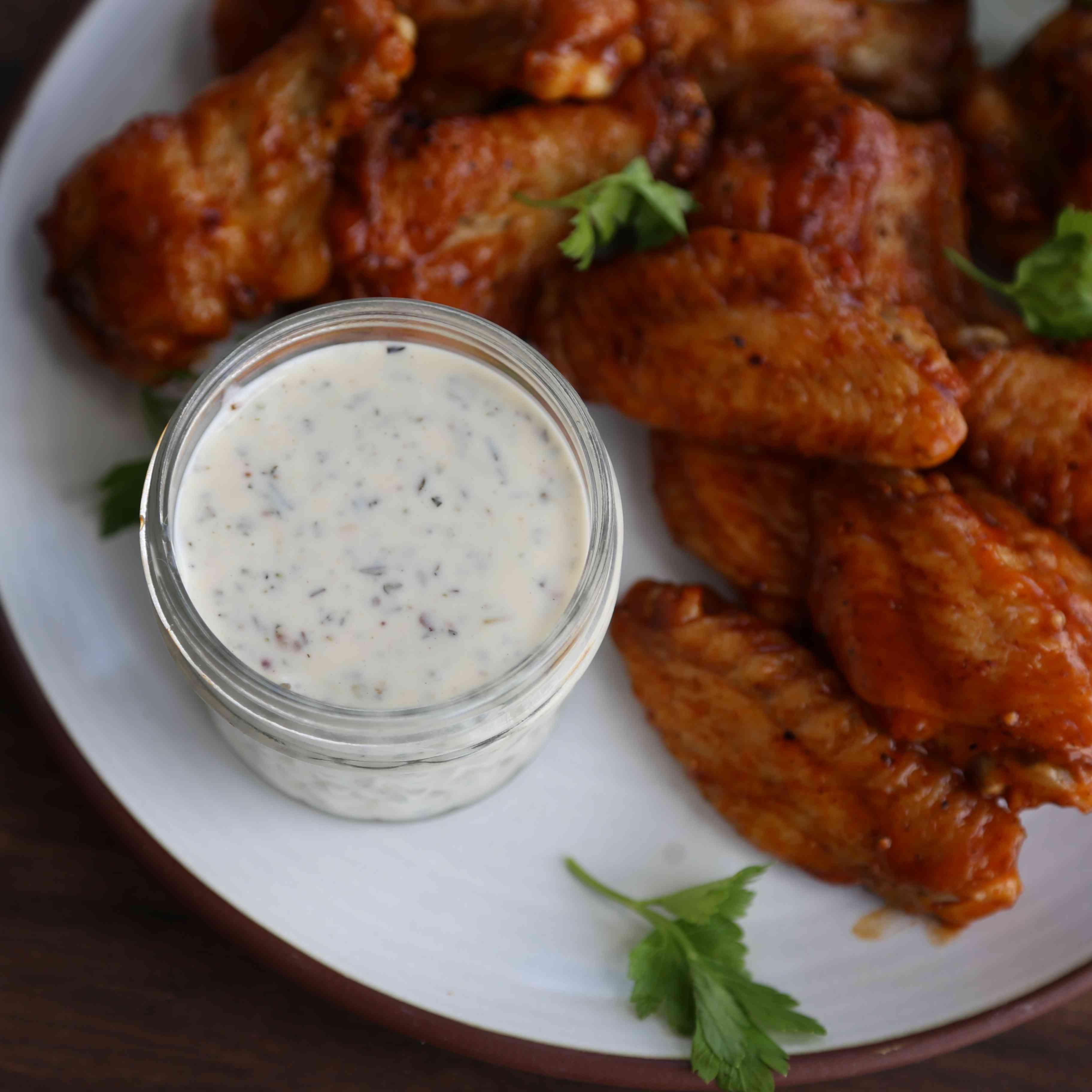 Buffalo Wild Wings-Style Garlic Parmesan Sauce