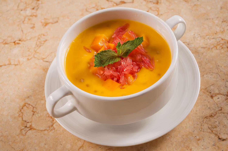 Chilled Mango Sago Cream with Pomelo