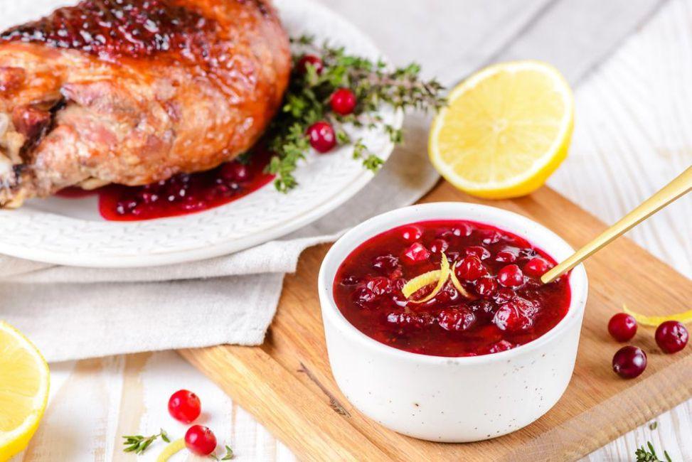 Citrus Cranberries Amaretto Sauce