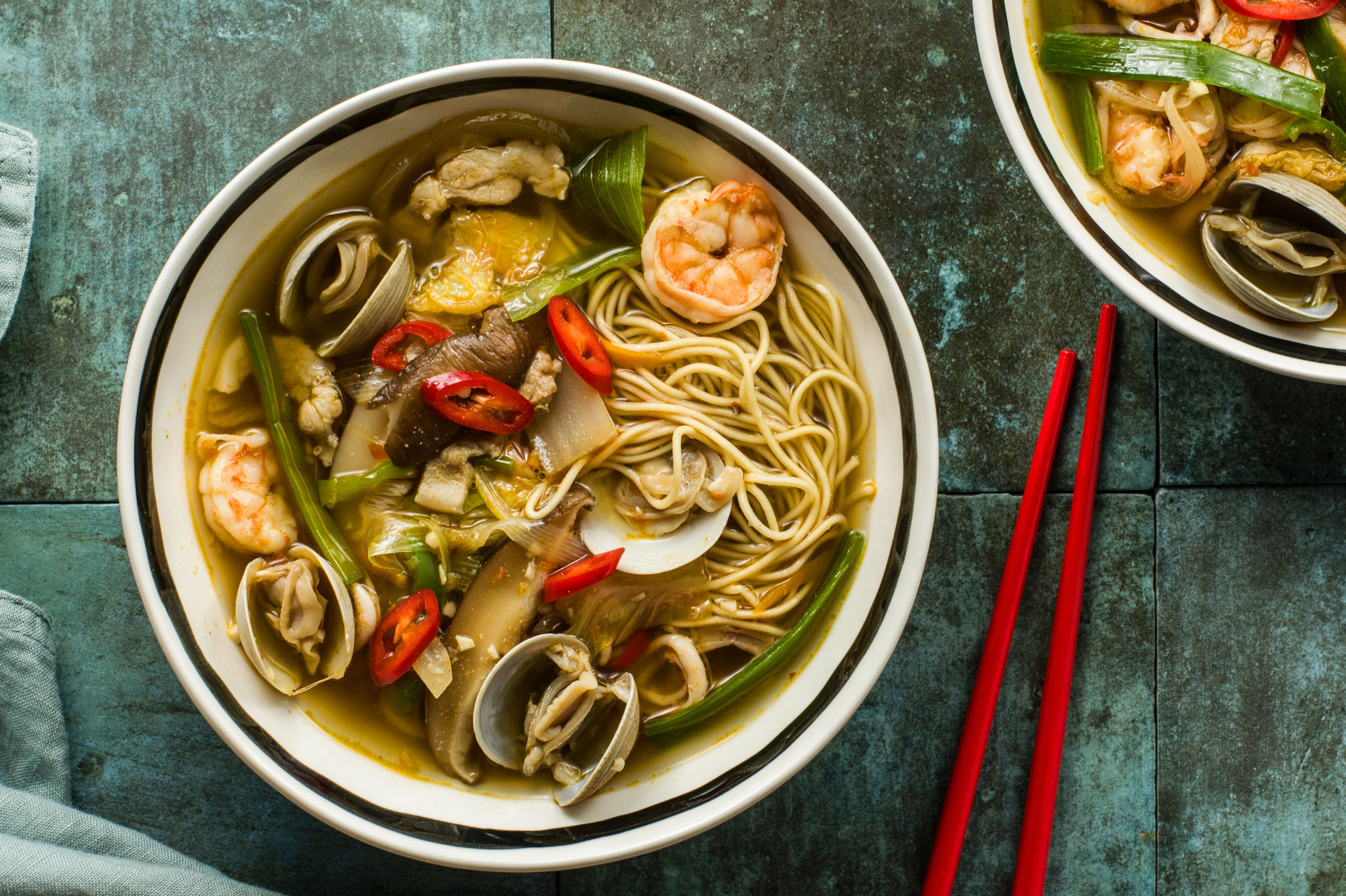 Spicy Korean-Chinese Seafood Soup (Jjampong)