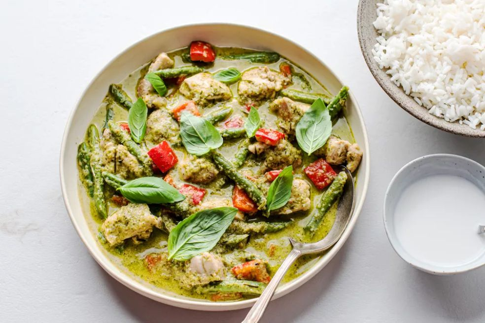 Thai Green Chicken Curry With Bell Peppers