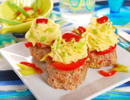 Cupcakes made from minced meat and potato puree