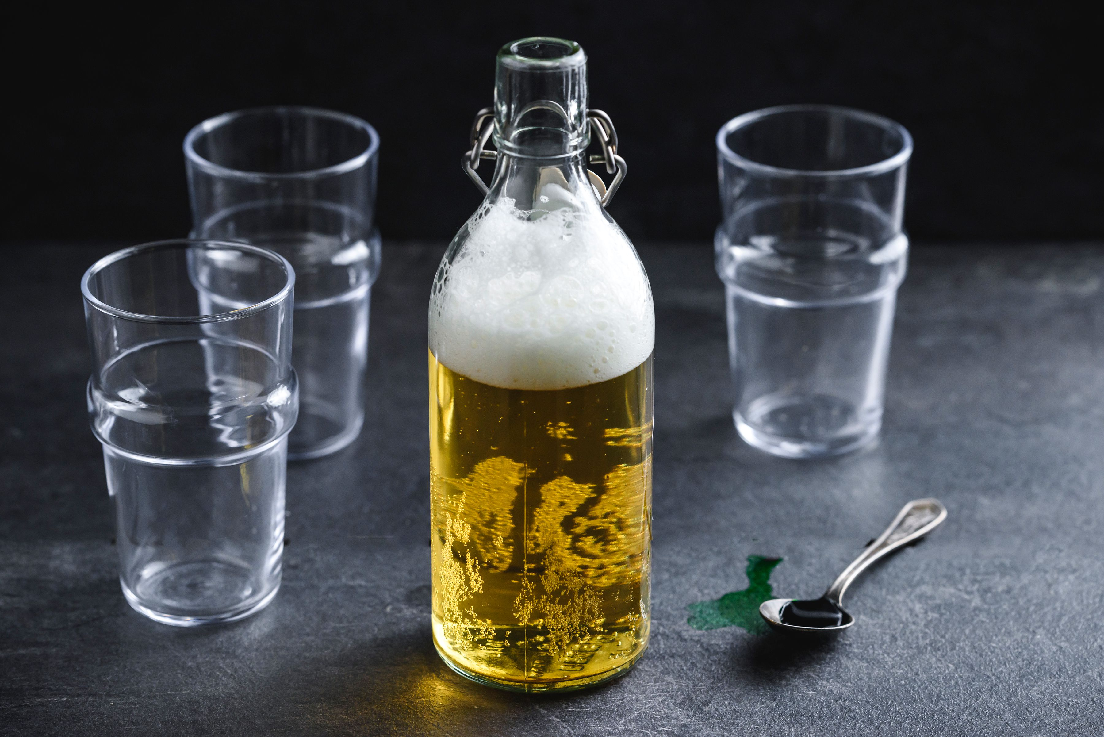 Ingredients for green beer