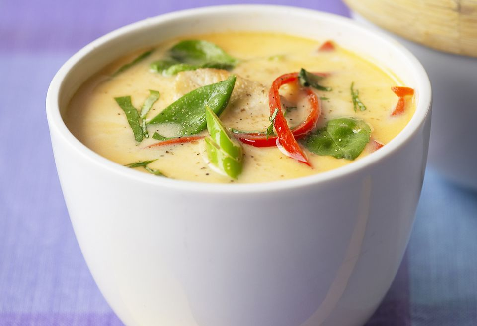 Tom kha raw vegan Thai coconut soup