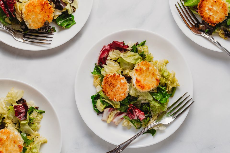 French Bistro Salad With Warm Goat Cheese Croutes