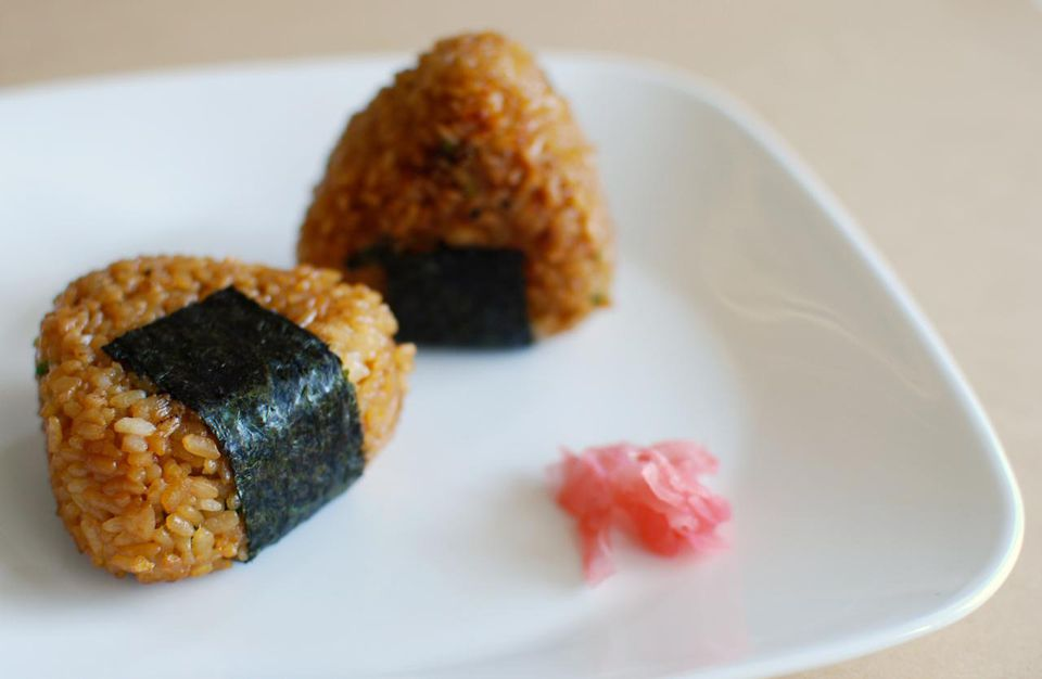 7 easy japanese recipes to try at home onigiri forumfinder Images
