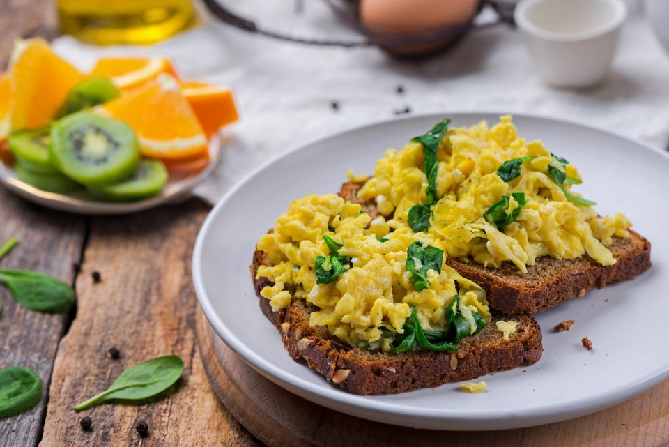 Health spinach scrambled eggs recipe
