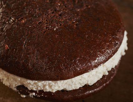 Chocolate whoopie pie
