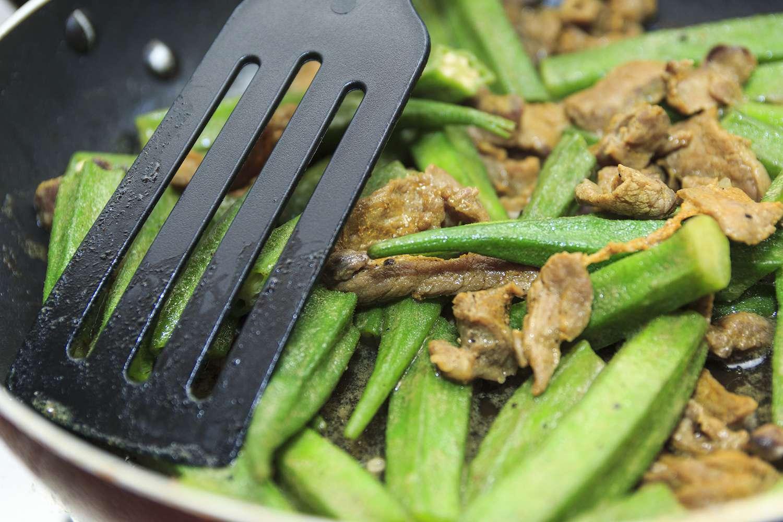 Stir-Fried Okra Beef