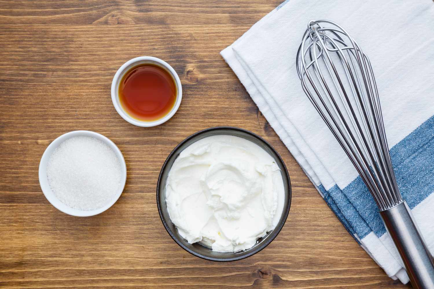 Sour cream topping ingredients