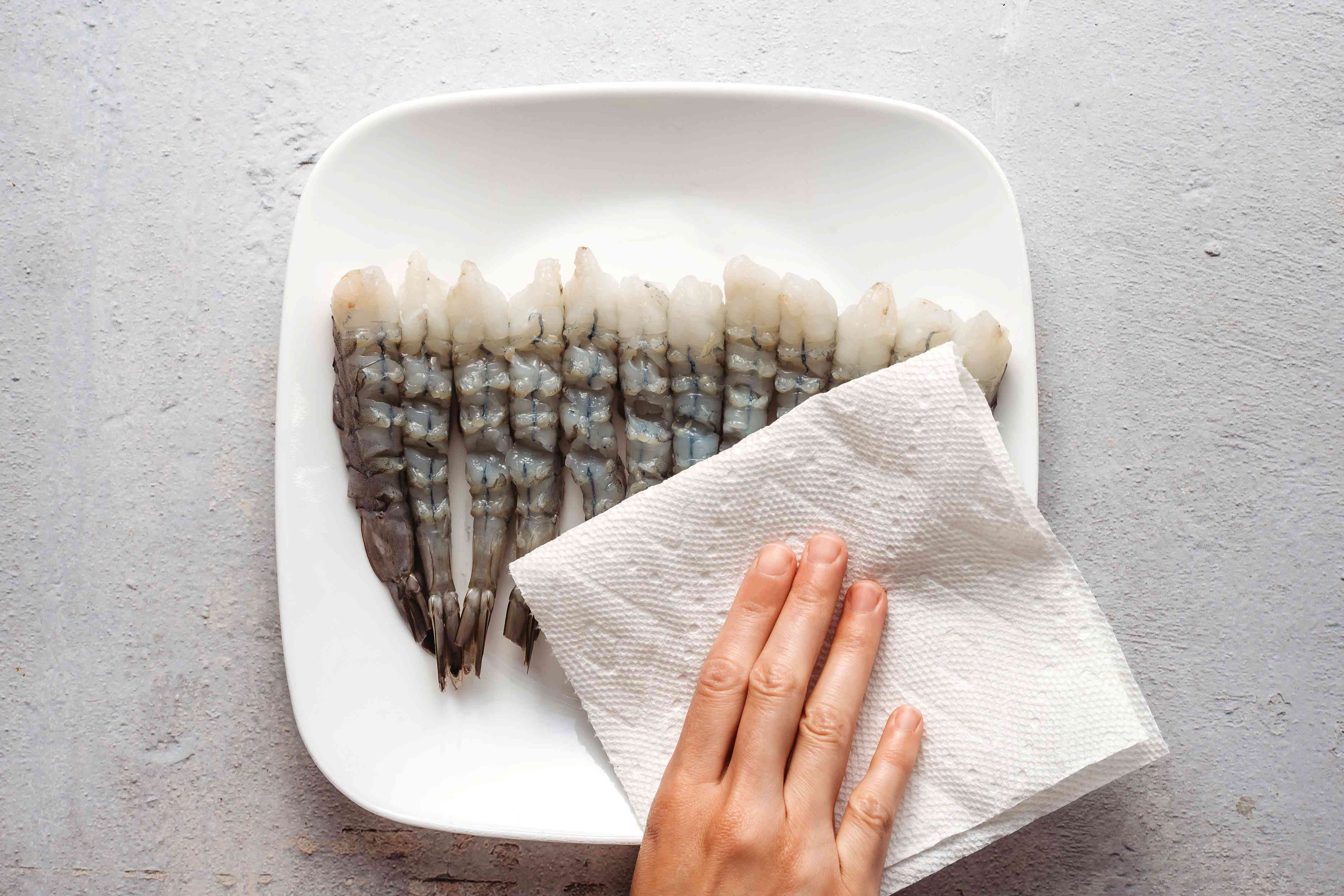 shrimp patted dry with a paper towel