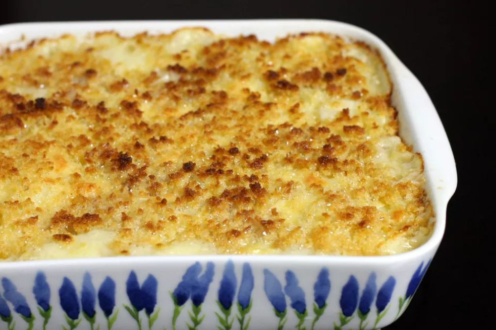 Classic au gratin potatoes with cheese