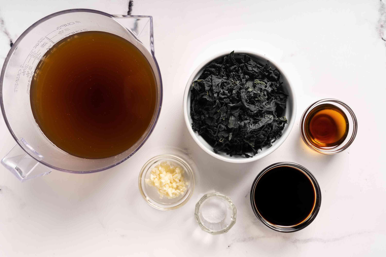 Korean Seaweed Soup (Miyuk Guk) ingredients
