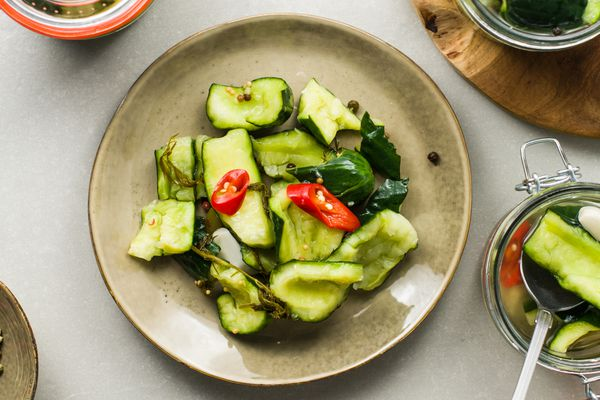 How to make smashed pickles recipe
