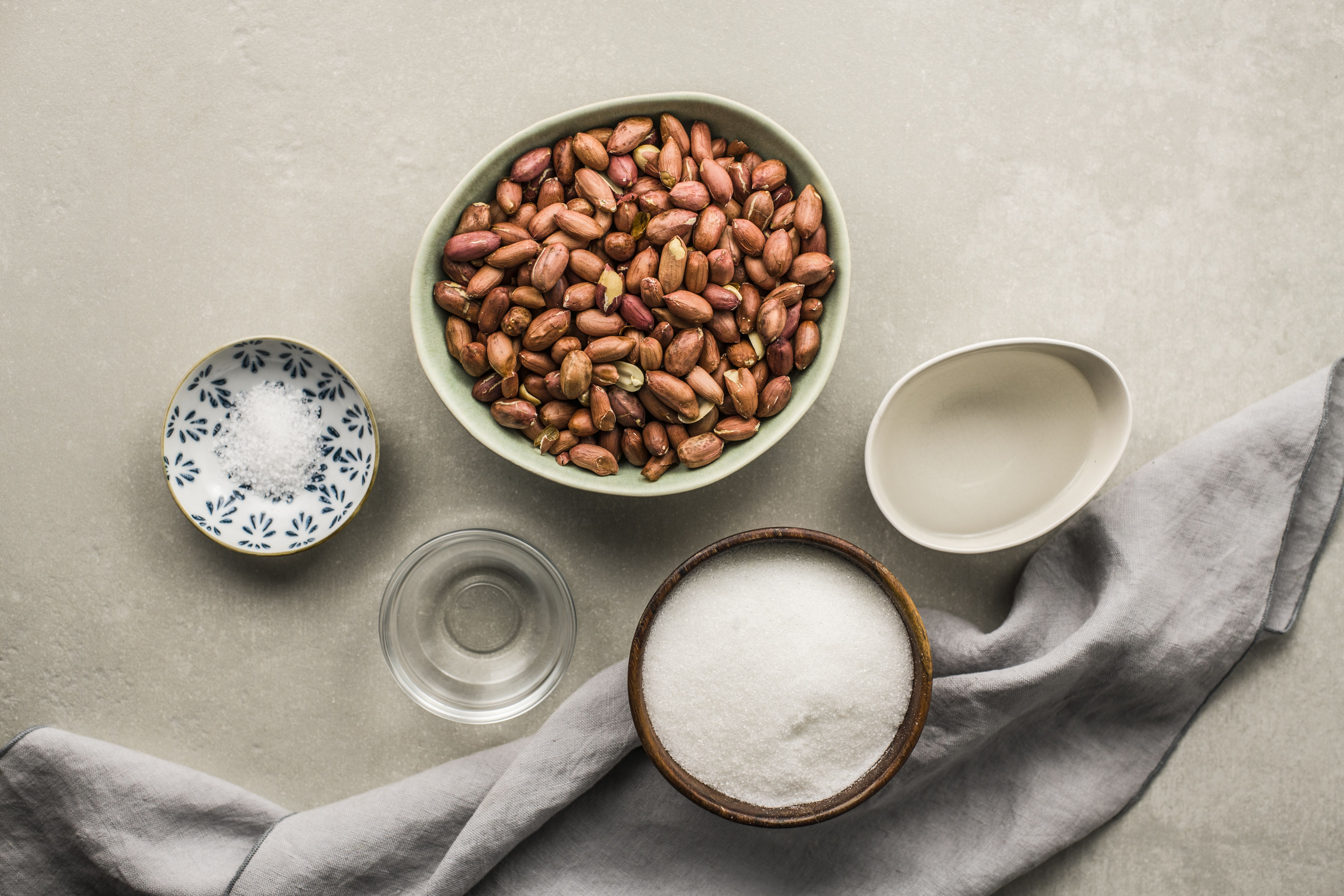 Ingredients for candied peanuts