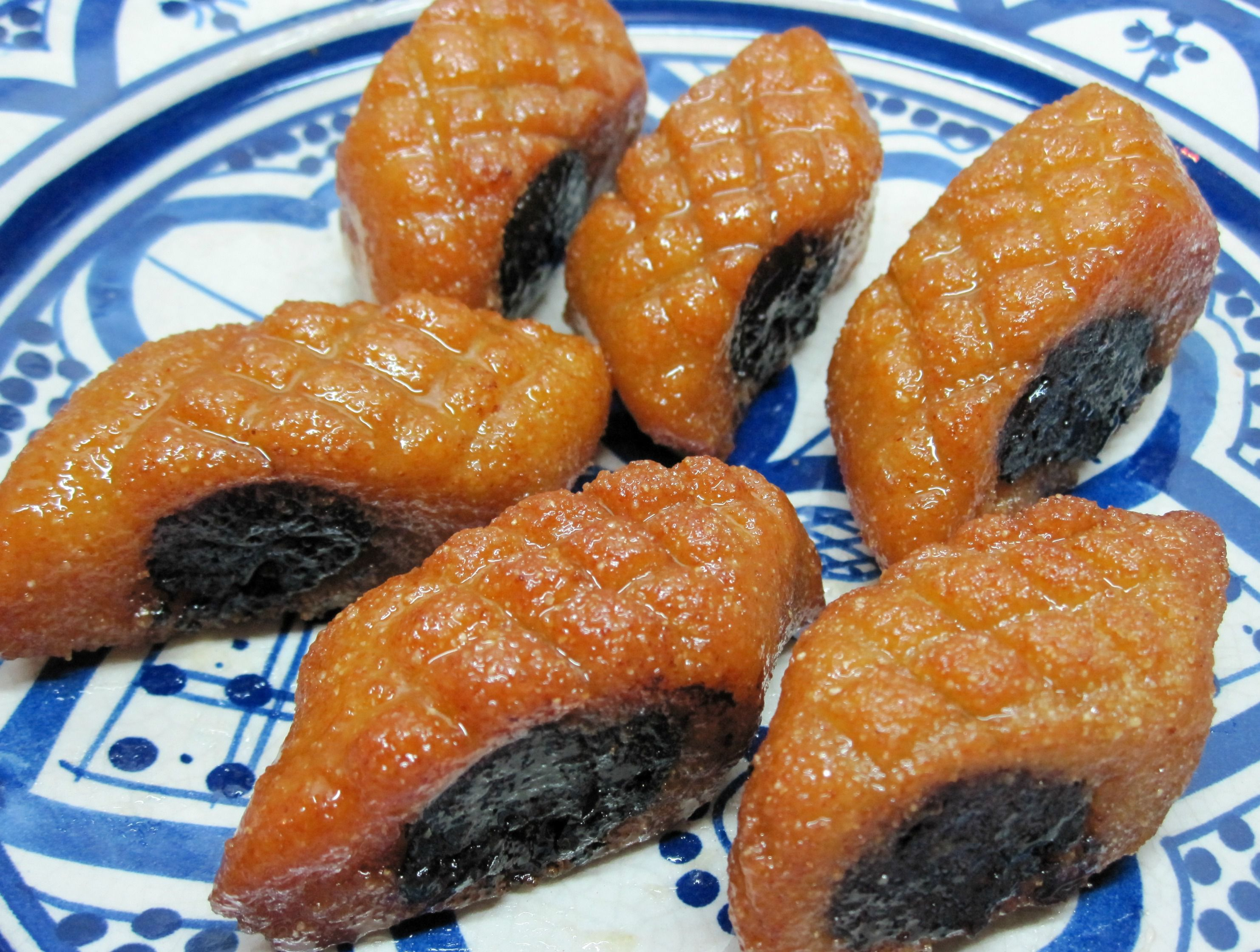 Makrout with Dates and Honey filling
