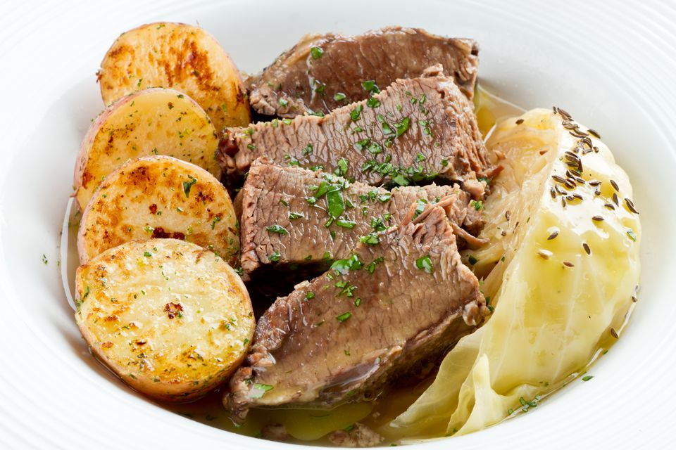 Irish Cuisine, Corned Beef, Cabbage an Roasted Potatoes