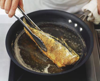 Frying fish