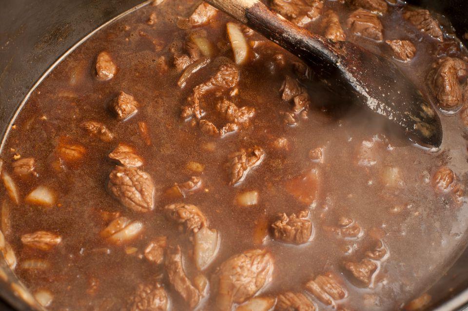 Receta de estofado de filete en cubitos de cocción lenta