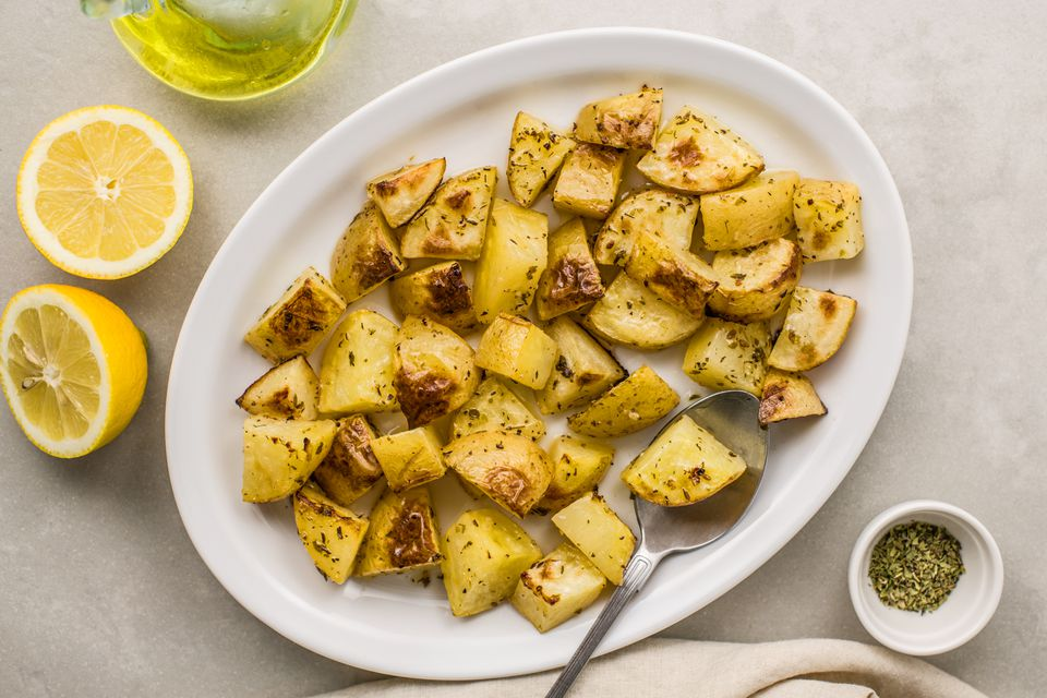 Lemony Greek potatoes with oregano and garlic (pareve)