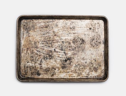 How to clean a baking sheet