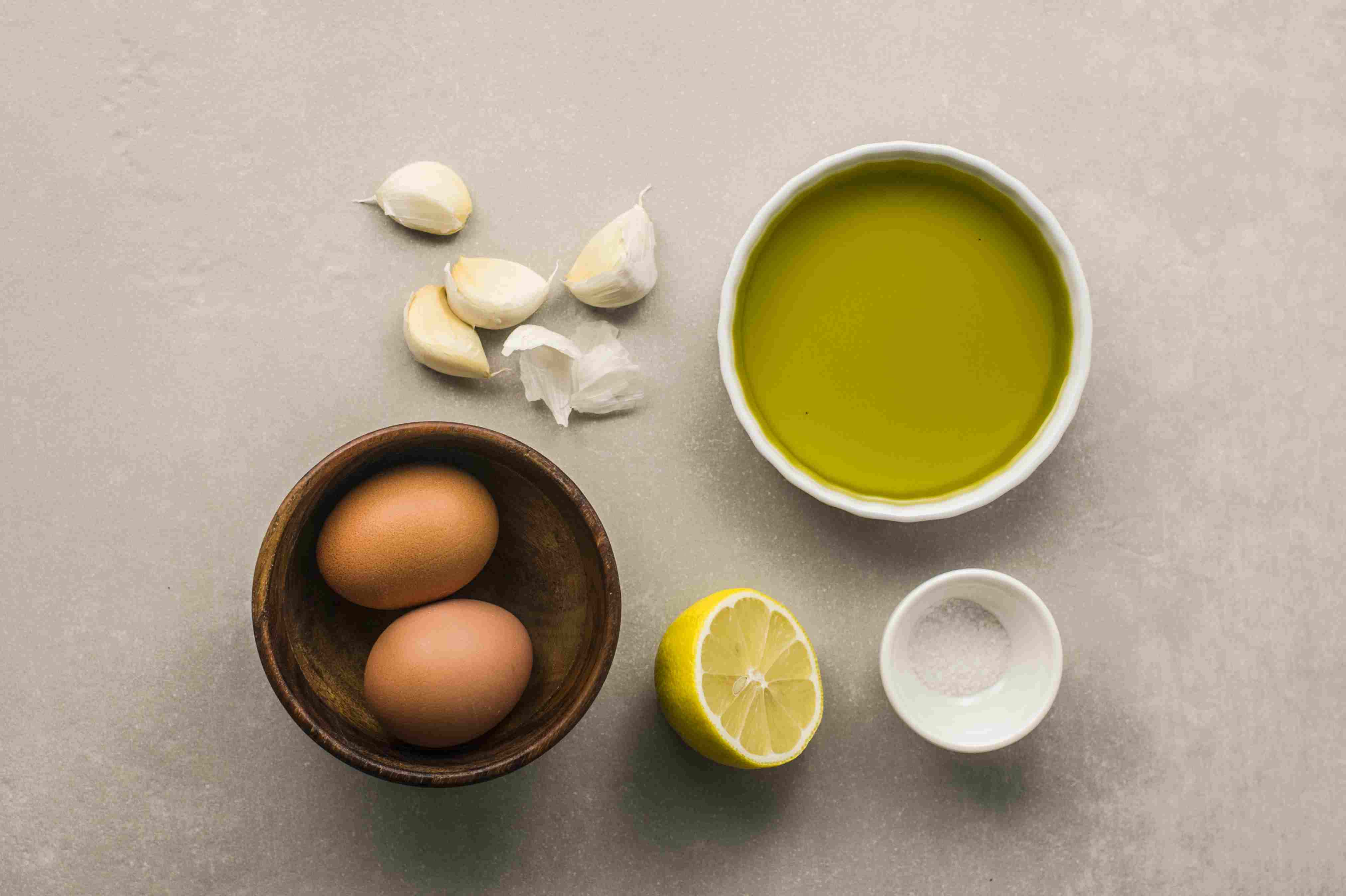 Ingredients for Spanish garlic mayo