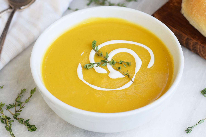 slow-cooker-butternut-squash-soup-4771456-06