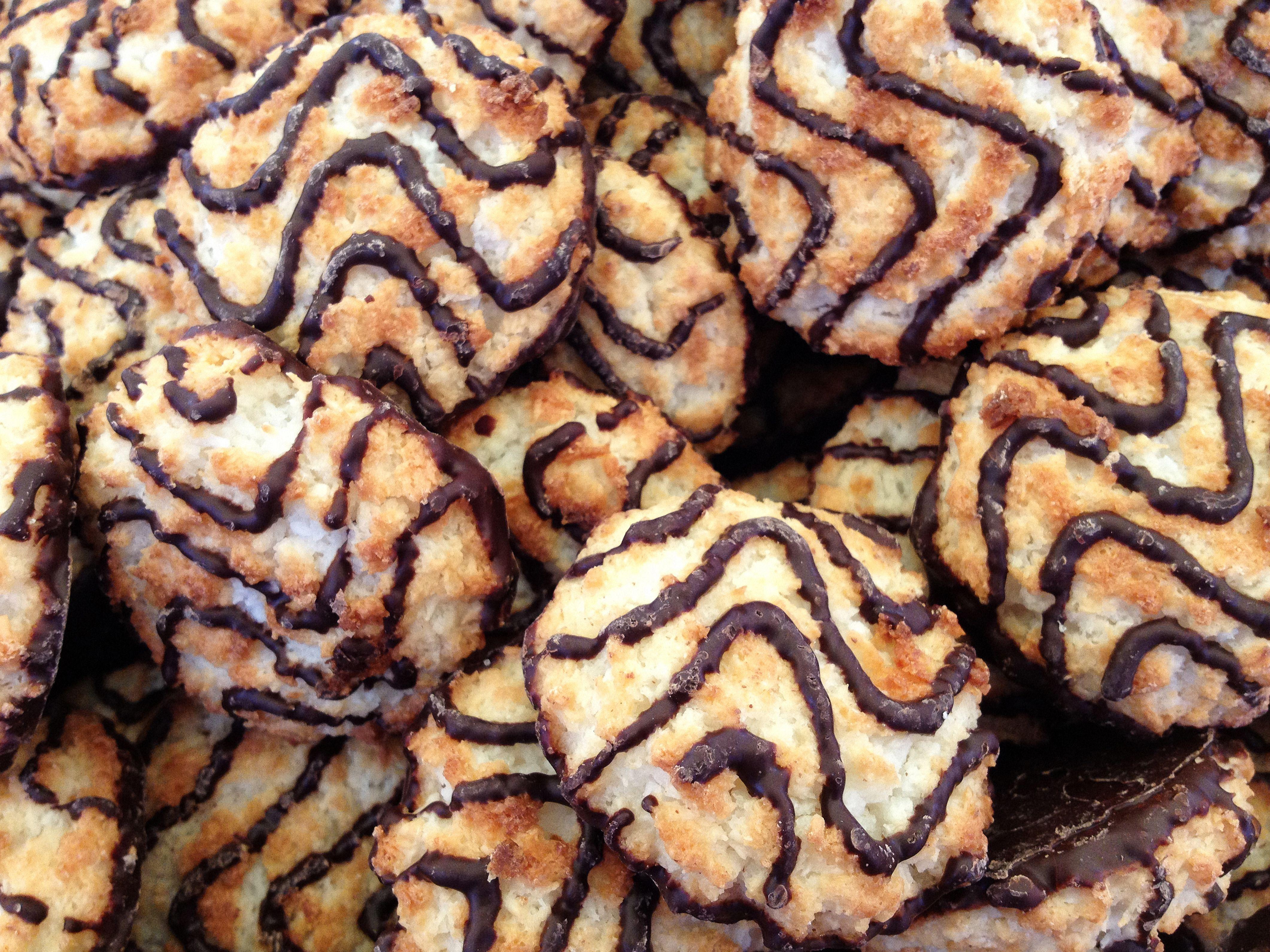 Coconut Kisses Macaroons