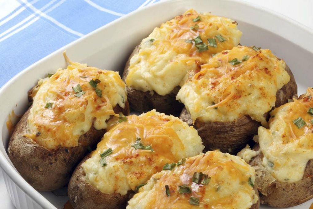 Stuffed Baked Potatoes With Bacon and Cheddar Cheese